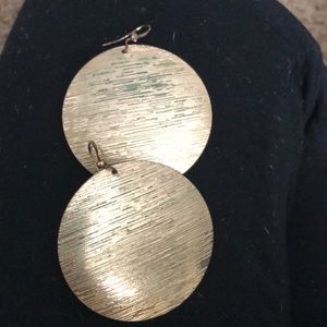 Jewelry - [CHOOSE 3/$30]. textured round earrings